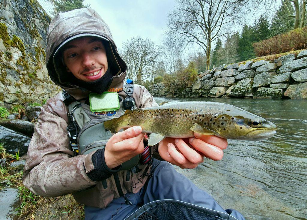Truite, Nymphe, Yoyo, Canne Magma Fishing, Cantal, pêche à la mouche, Moniteur guide de pêche, Simon Delos